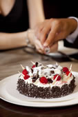 情侣切蛋糕