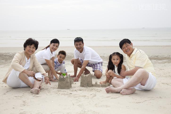 一家人在海边度假|优图佳视