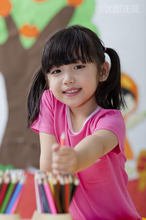 幼儿园儿童画画|优图佳视